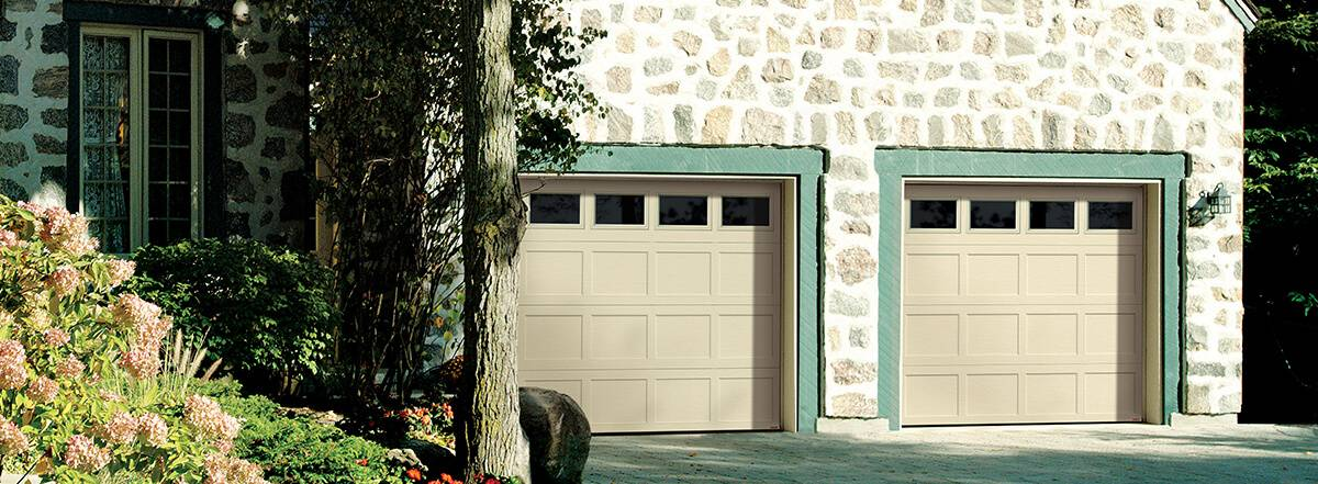 Shaker CC, 9' x 7', Desert Sand door and overlays, Clear windows